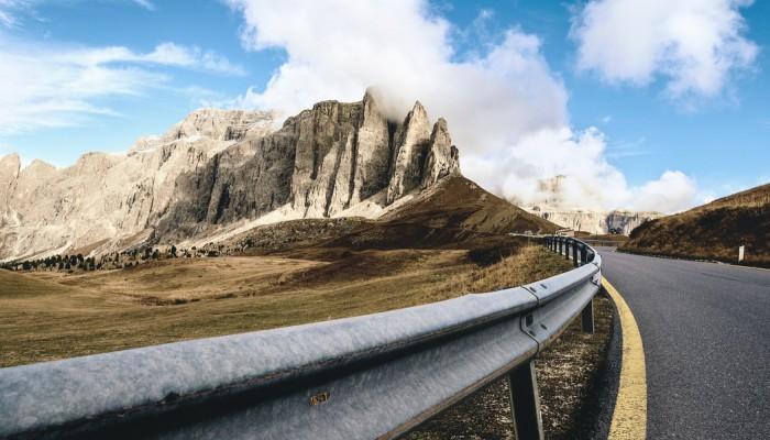 Ograniczenia prędkości tylko dla motocykli we włoskich Dolomitach