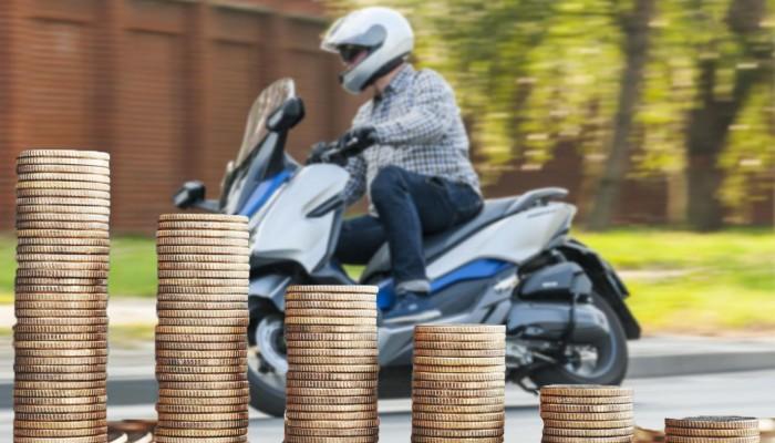 Ile zaoszczędzisz jeżdżąc skuterem przez cały rok?