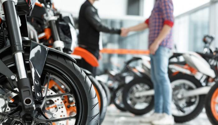 Sprzedaż motocykli kontra druga fala koronawirusa