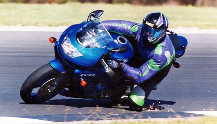 Motocykl używany: Kawasaki ZX-9R 1994-2003 (wady, zalety, nasza opinia, historia)