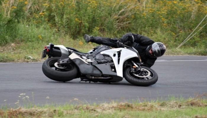 Gleba na motocyklu - jak wyglądał mój pierwszy upadek? Jak się odblokować i poradzić sobie ze stresem