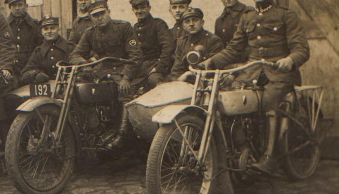 Jakie motocykle były kiedyś najbardziej popularne w Polsce? Zanim pojawiły się WFM, SHL, WSK i Junak, na drogach rządziły zupełnie inne motocykle
