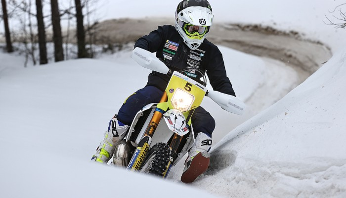 700 kilometrów po śniegu, czyli mordercze Mistrzostwa Finlandii w Enduro [VIDEO]