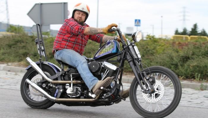 Harley-Davidson Softail Evo custom. Styl południowo-kalifornijskich chopperów z lat 70. w wydaniu Alcatraz Customs Gdańsk