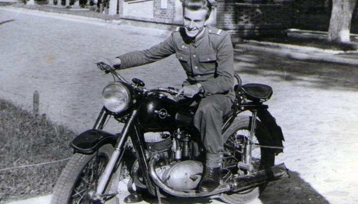 Motocykl IŻ-49 - motocykle radzieckie w Ludowym Wojsku Polskim