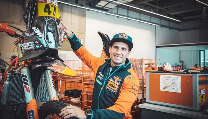 Zwycięzca Rajdu Dakar, Kevin Benavides dołącza do zespołu Red Bull KTM Factory Racing