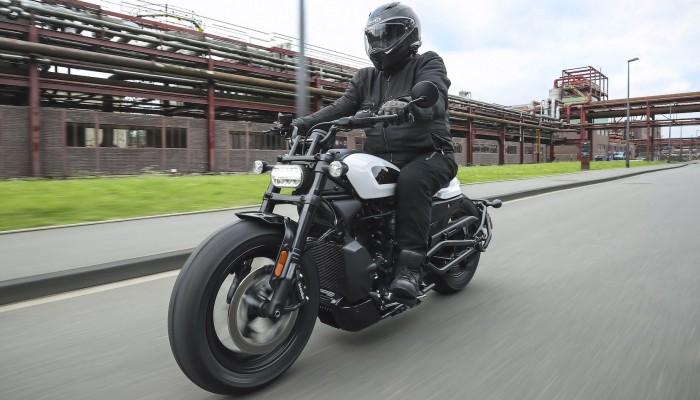 Harley-Davidson Sportster S - pierwsza jaskółka rewolucji obyczajowej i technologicznej