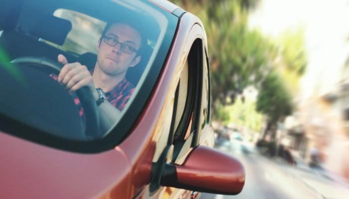 kierowca samochodu 1 z
