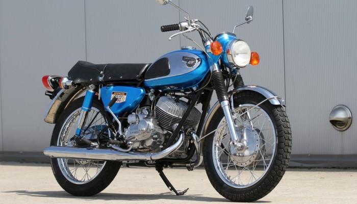 Kawasaki A7 Avenge klasyk  z