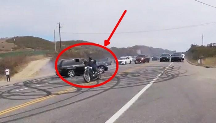 suv kontra motocykl close call w kalifornii z