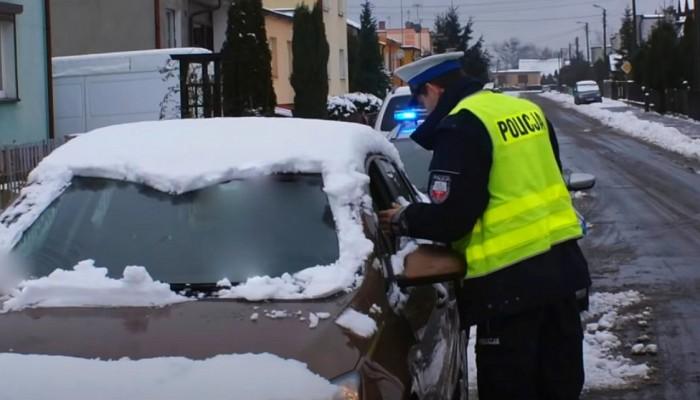 jazda zim samochod policja 1 z
