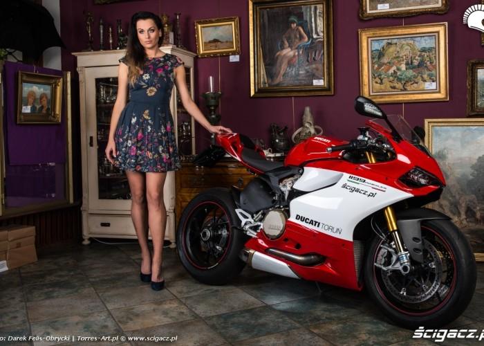 Adriana i Ducati Panigale S sesja Scigacz pl