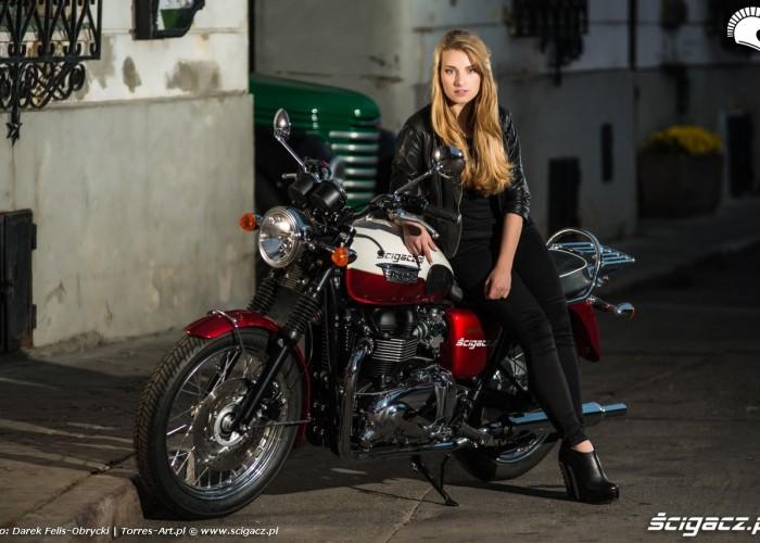 Ania i Triumph Bonneville