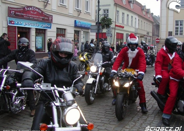 Wjazd Motomikolajow na Stary Rynek motomikolaje bydgoszcz 2009
