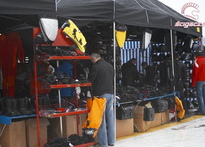 handlowe namioty rozpoczecie sezonu 2008 b mg 0171