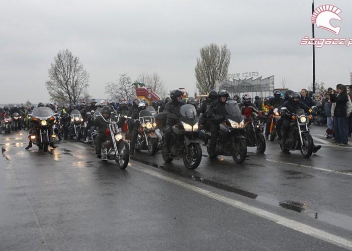 kolumna parada rozpoczecie sezonu 2008 b mg 0246