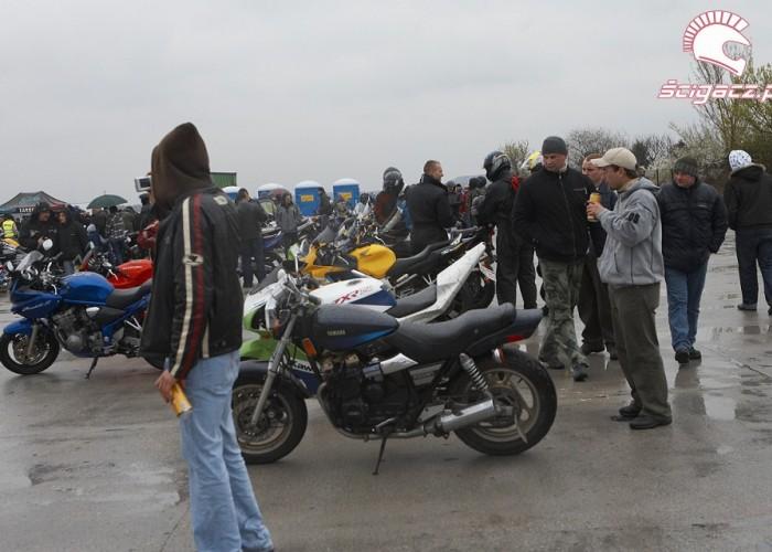 motocykle parking rozpoczecie sezonu 2008 b mg 0227