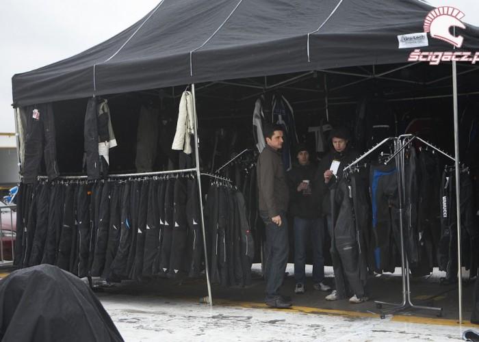 namiot odziez rozpoczecie sezonu 2008 b mg 0168