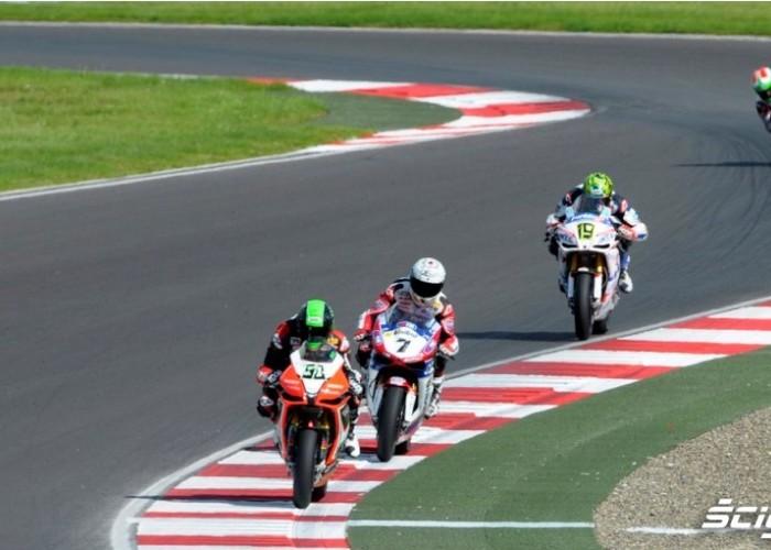 Zmiana kierunku Superbike Race Moscow Raceway 2012