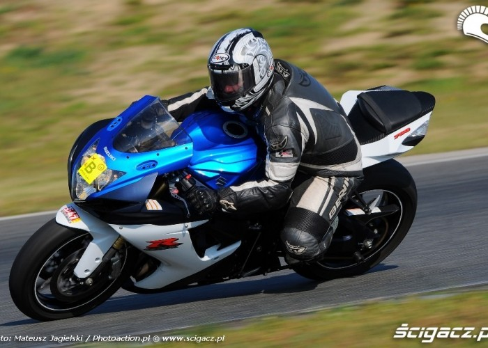 GSX-R600 na Speed day Tor Poznan