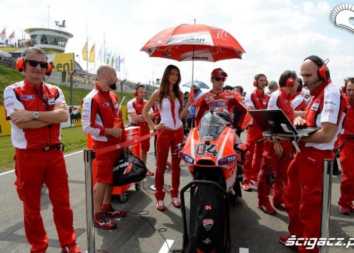 Dovizioso i dziewczyna Sachsenring 2013