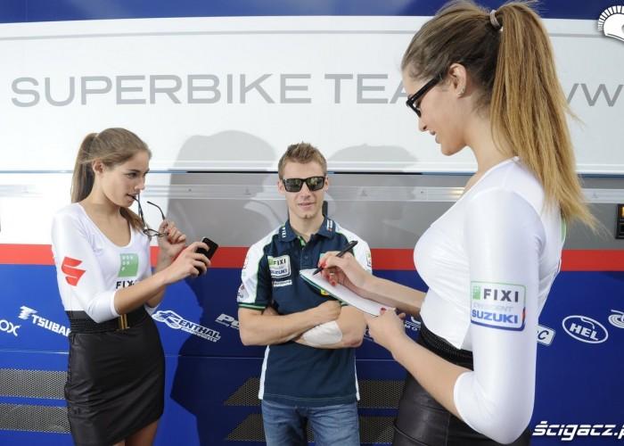 Cluzel i dziewczyny World Superbike Portimao 2013
