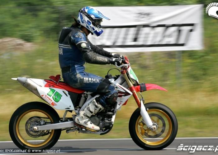 Honda III runda Supermoto