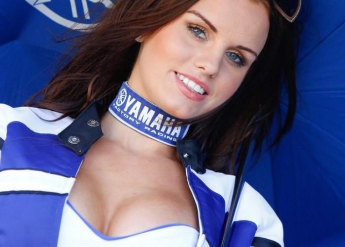 Grand Prix Silverstone 2013 dziewczyna Yamahy