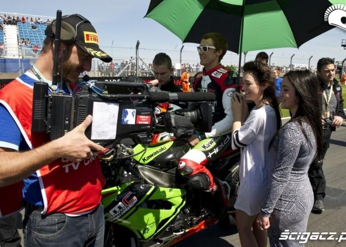 Dziewczyny World Superbike Donington 2013