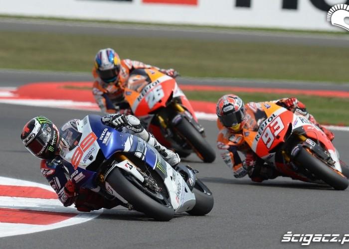 Hiszpanie na prowadzeniu Grand Prix Silvestone 2013