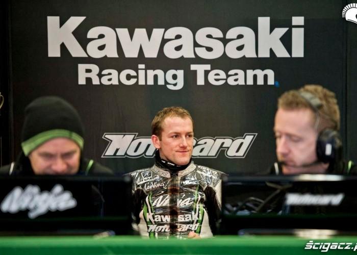 Boks Kawasaki Testy WSBK Jerez 2013
