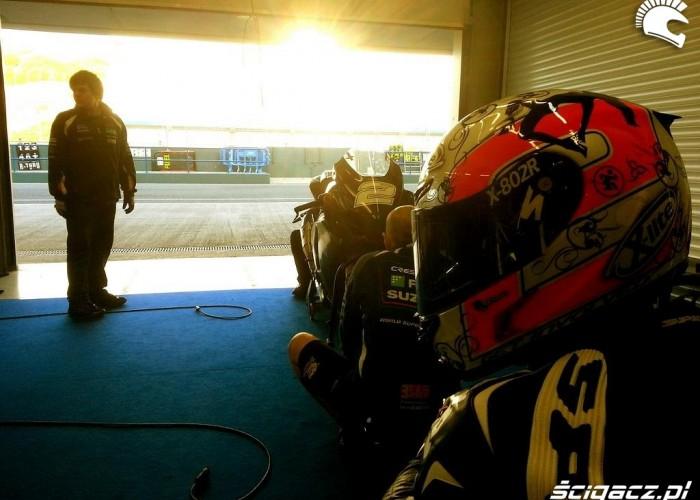 Boks Suzuki Testy WSBK Jerez 2013