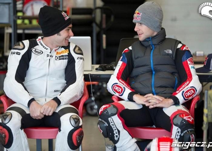 Haslam i Rea Testy WSBK Jerez 2013