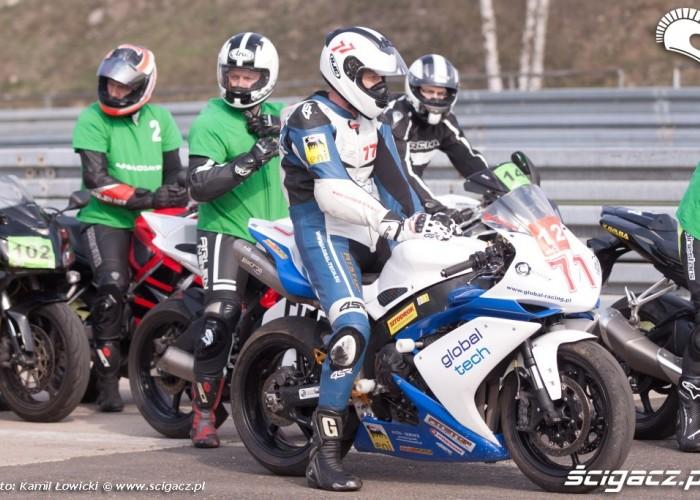 Motocyklisci speed day tor poznan kwiecien 2013