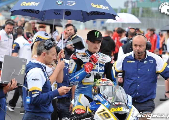 Davies na starcie Superbike Silverstone 2013