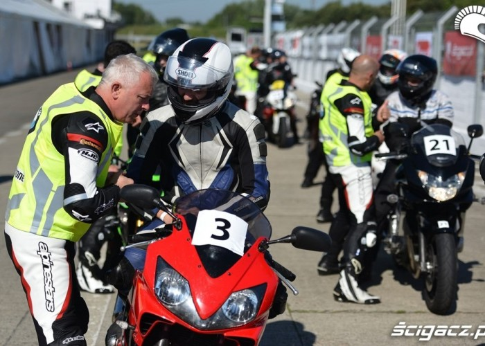 California Superbike School Poznan 2014 odprawa