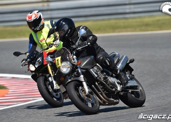Hornet California Superbike School Poznan 2014