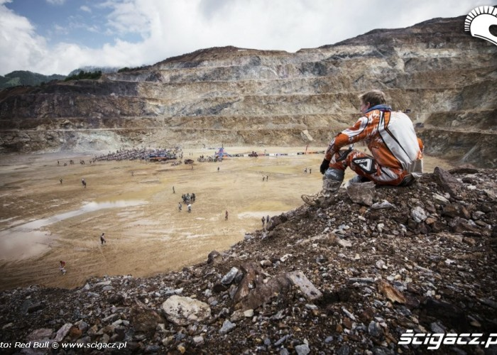 Przed burza erzbergrodeo 2014 red bull hare scramble