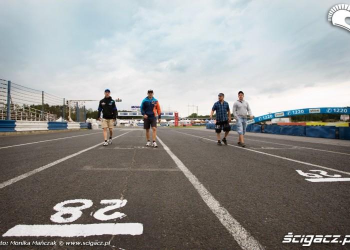 przed startem FIM Supermoto GP Czech