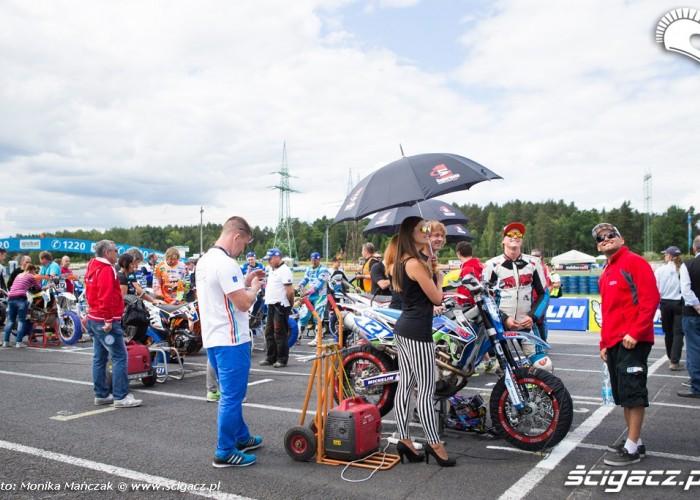 przed startem Supermoto GP Czech