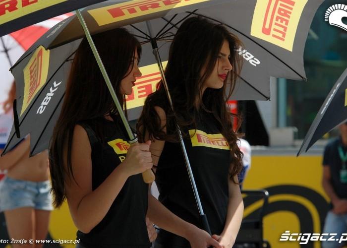 Pirelli dziewczyny na Misano