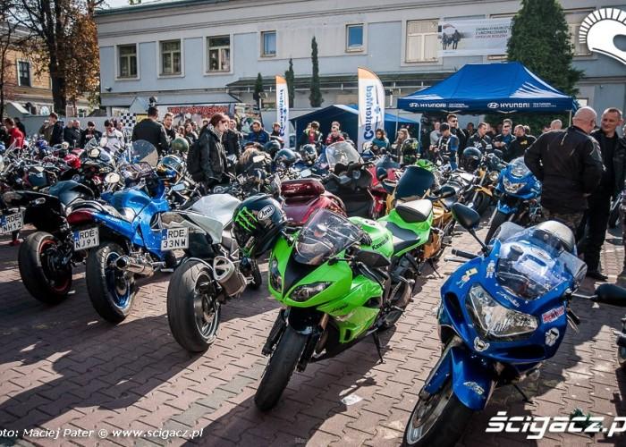 motocyklisci w tarnowie paddock