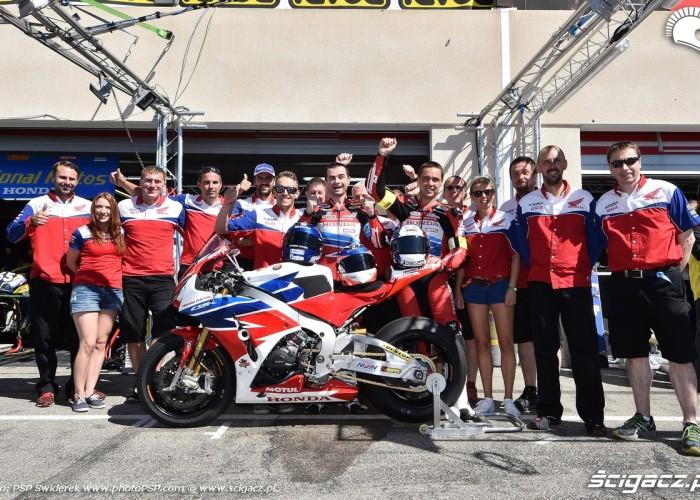 ekipa Honda Endurance Racing Bol dOr 2015