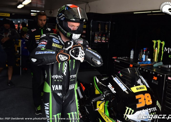 bradley smith pit phillip island 2015