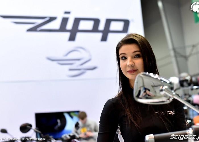 Wystawa motocykli i skuterow 2015 dziewczyny Zipp