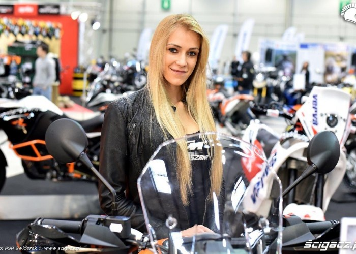 Wystawa motocykli i skuterow 2015 stoisko KTM