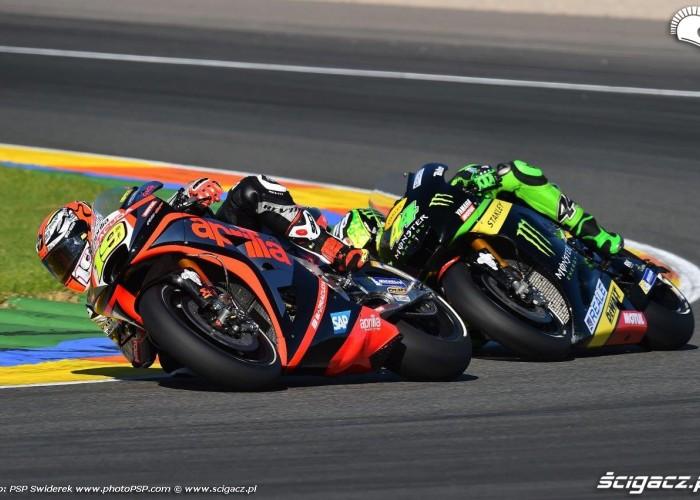 Yamaha Aprilia Pre Season Test Valencia 2015