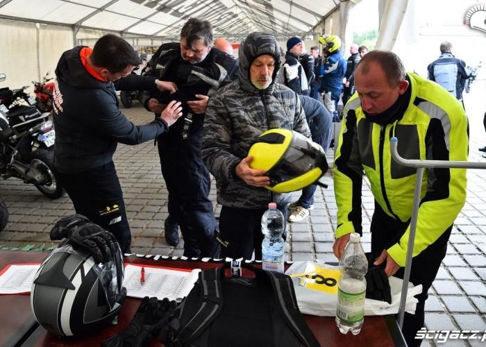 Kontrola odziezy California Superbike School Poznan