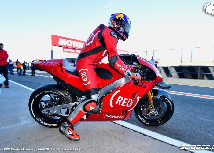 aprilia red gp walencji 2016