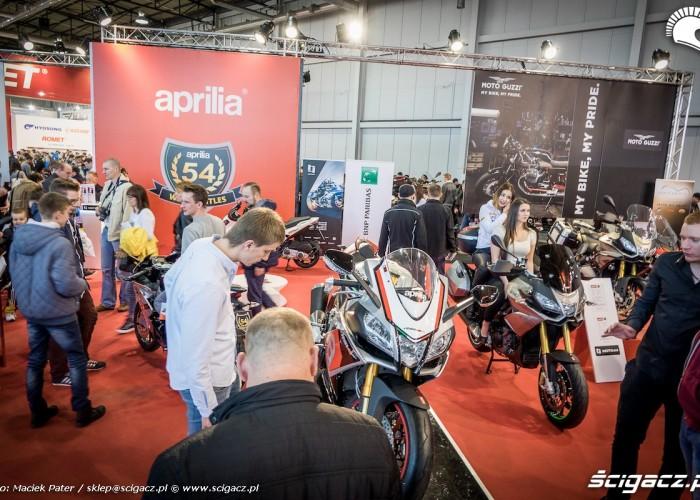 aprilia stoisko motor show 2016